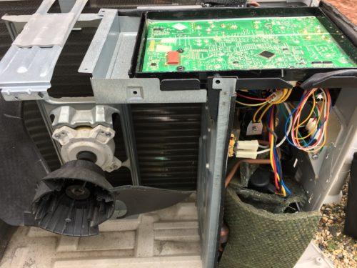 エアコンの室外機 修理